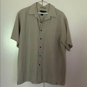 Royal Robbins Men's Shirt Size Large Short Sleeve